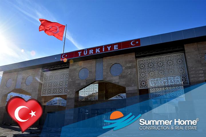 Istanbul grenze und in europa zwischen asien Istanbul: Bahntunnel