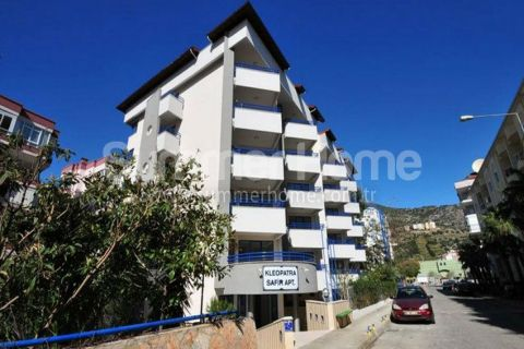 Holiday Seaside Apartment with Private Sunny Terrace in Alanya