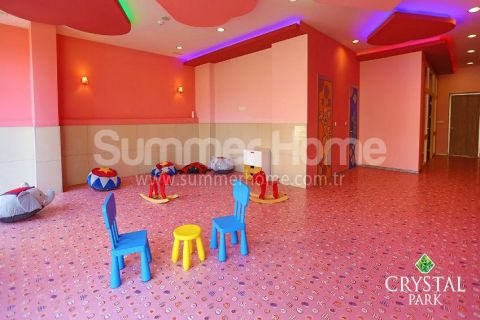 Fancy 1-Bedroom Apartment in Crystal Park - Interior Photos - 39