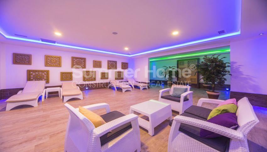 مجمع سكني فاخر مع بتصميم عصري في كستل، الانيا facility - 21