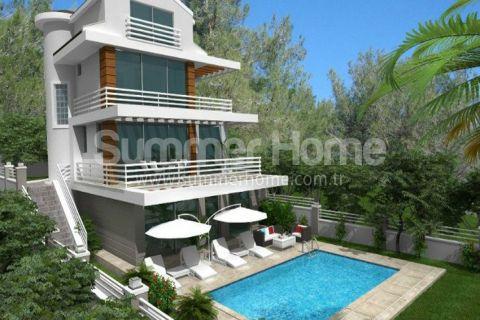 Luxusvillen umgeben von der grünen Natur in Fethiye