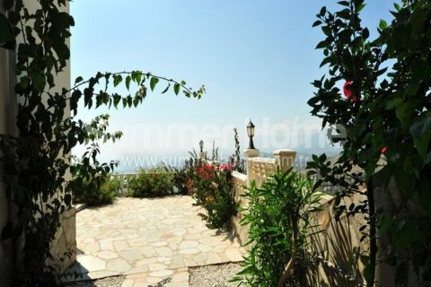 Glorious Villas with Panoramic View in Alanya - 1