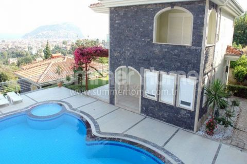 Magnificent Begonville Villas in Alanya - 1