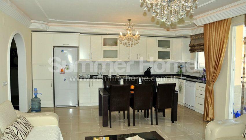 阿拉尼亚热门地段的现代海景公寓 interior - 24
