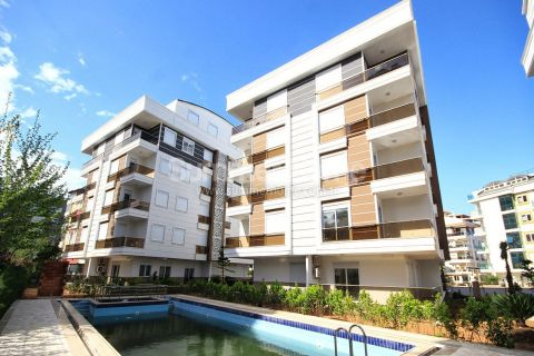 Great Complex with Spacious Flats Near the Beach in Antalya