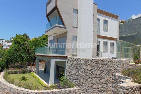 Fantastisk triplex-villa med topp beliggenhet i Bodrum