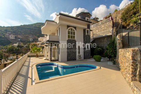 Spacious Villa with Private Swimming Pool in Tepe Hills in Alanya