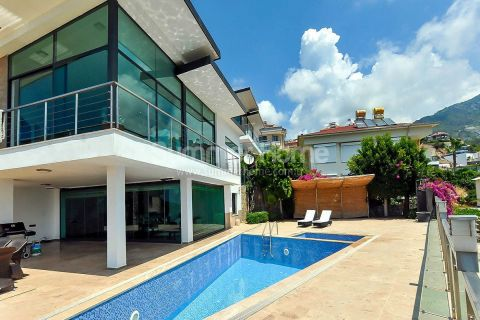Luxury Villa with Unobstructed Mediterranean View in Alanya