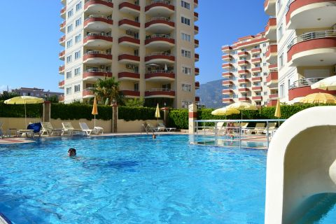 Gemeubileerd appartement aan interessante prijs op populaire ligging in Mahmutlar, Alanya