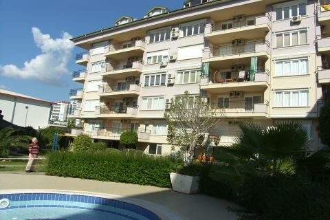 Economical Apartment with 2 Bedrooms in Perfect Location in Cikcilli, Alanya