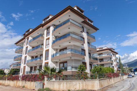Ruhig gelegene, geräumige Wohnung in Kestel, Alanya