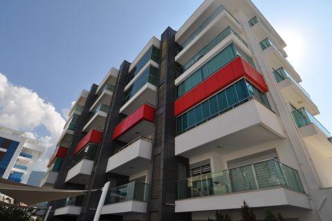 Nádherný, plne zariadený 3-izbový apartmán na predaj v Kesteli, Alanya