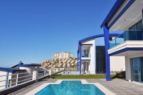 Luxusné vily s dychvyrážajúcim výhľadom na more v oblasti Kargicak, Alanya