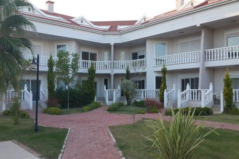 2 makuuhuoneen huoneistoja, joita ympäröivät golfkentät, Belek, Antalya