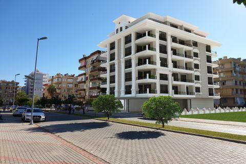 Reasonably Prized Apartments Near the Beach in Alanya, Mahmutlar