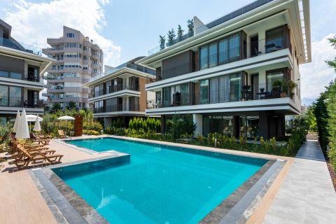 Spacious High-end Apartments Near The Beach in Konyaalti, Antalya