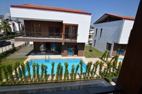 Lyxig Villa med Modern Design i Belek, Antalya