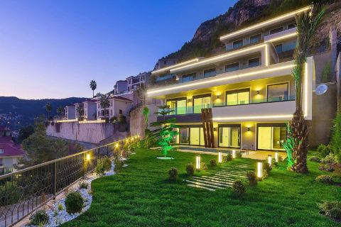 Spacious sea-view villa in Bektaş