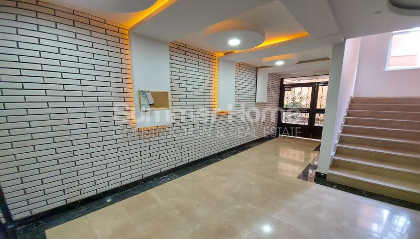 شقة واسعة من غرفتي نوم للبيع مع أثاث كامل في محمودلار facility - 21