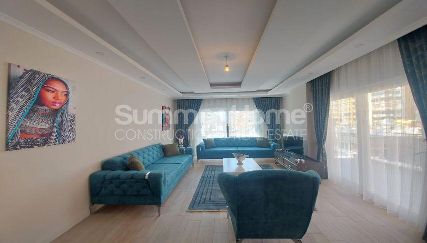شقة واسعة من غرفتي نوم للبيع مع أثاث كامل في محمودلار interior - 10