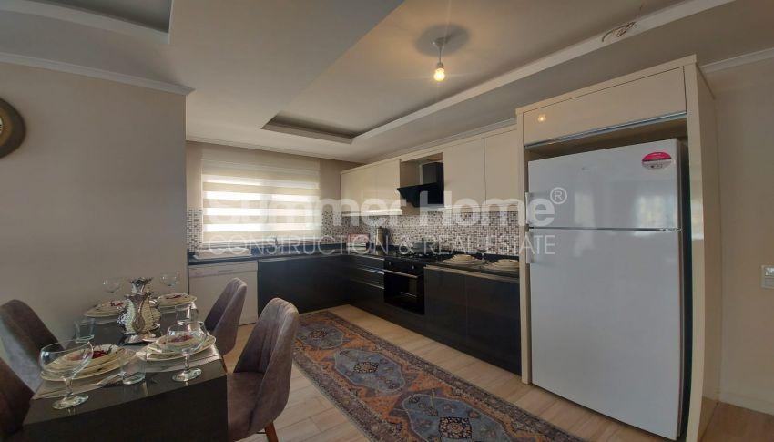 شقة واسعة من غرفتي نوم للبيع مع أثاث كامل في محمودلار interior - 11